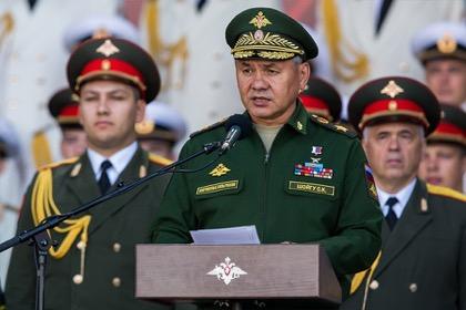 Средняя зарплата военных превысила 70 тысяч рублей