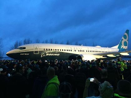 Поставкой 763 самолетов Boeing закрепил мировое лидерство в 2017 году