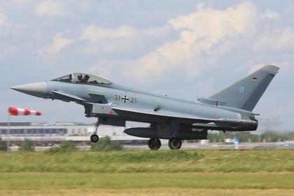 Из-за нехватки денег исправны менее половины немецких подлодок и самолетов