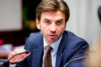 Абызов обвинил Минфин в застое промышленности