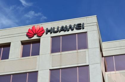 Угроза санкций США заставляет Huawei срочно завершать альтернативу Android