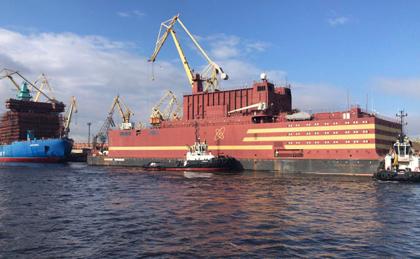 Единственный в мире атомный ПЭБ «Академик Ломоносов» направился из Балтики на Чукотку