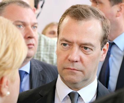 Медведев поручил обеспечить занятость граждан предпенсионного возраста