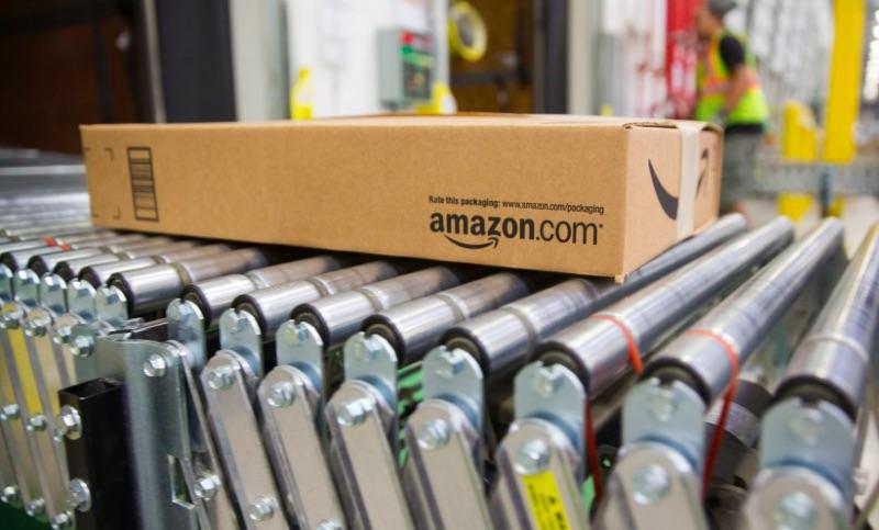 Amazon повышает минимальную почасовую оплату до $15