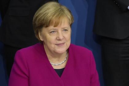 Меркель не исключила снижение пошлин на ввоз автомобилей из США