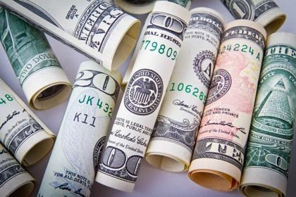 Россия не отказалась от доллара в качестве универсальной резервной валюты