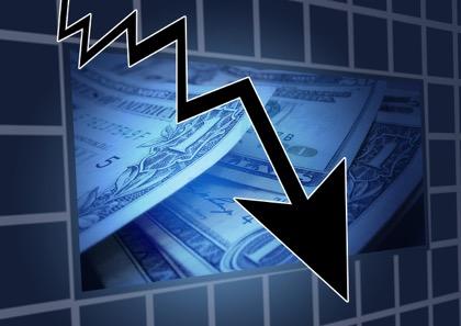 Нефть дешевеет на фоне обвала мировых финансовых рынков