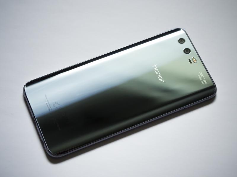 Huawei обогнала Apple по глобальным поставкам смартфонов