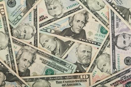 Дефицит бюджета США вырос в августе на $211 млрд