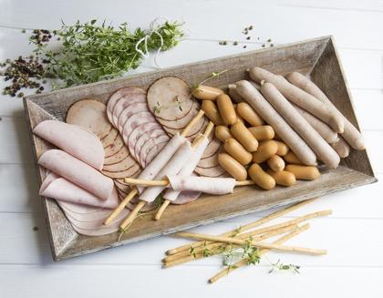 Минздрав поддержал идею об акцизе на сосиски и бекон