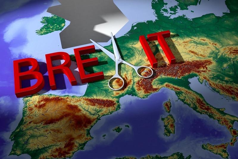 Британский парламент уверенно проголосовал против соглашения с ЕС по Brexit