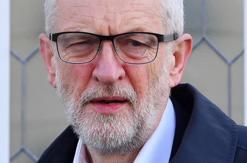 Корбин призвал парламент взять переговоры по Brexit под свой контроль