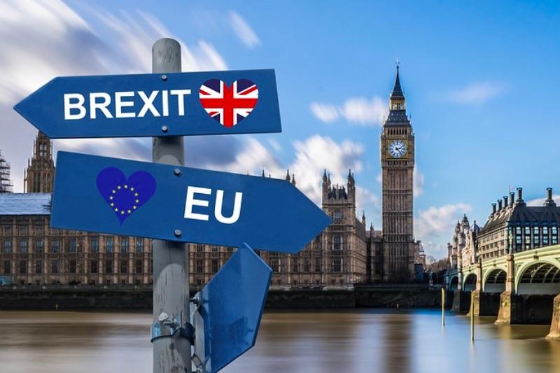 Британия попросила Евросоюз перенести Brexit на три месяца