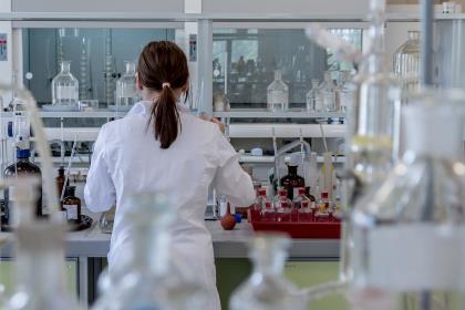 Минпромторг РФ сообщил о создании биоаналога самого дорогого лекарства в мире