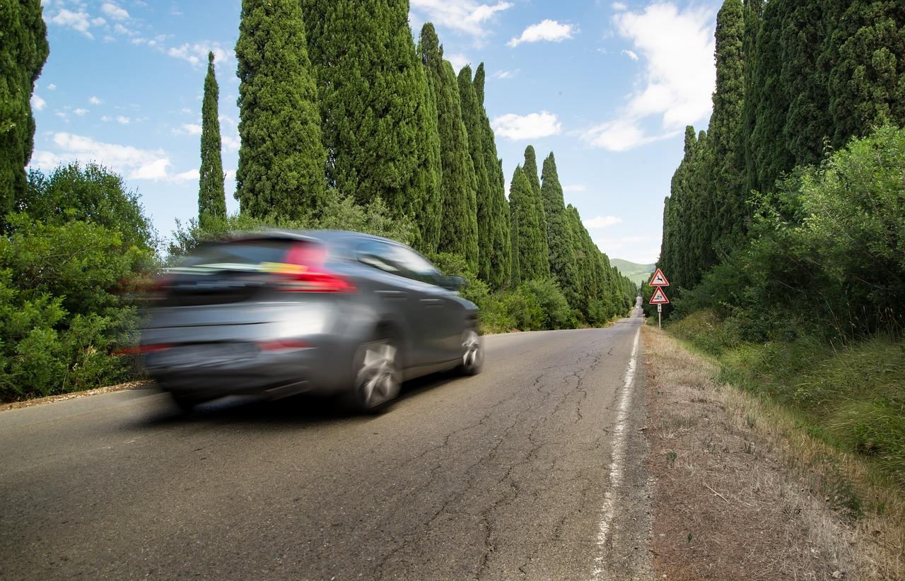 Великобритания одобрила автоматическое ограничение скорости автомобиля