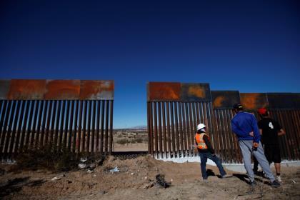 Пентагон выделит $1 млрд на строительство заграждений на границе с Мексикой