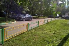 Москва постепенно избавится от заграждений вокруг газонов