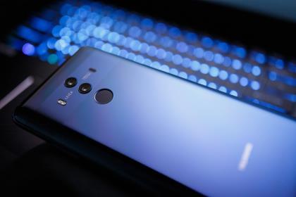 Google приостановила сотрудничество с Huawei