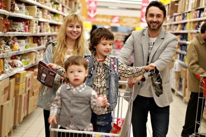 Средняя российская семья потратила в мае на еду 21100 рублей