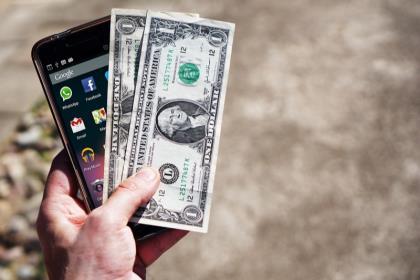Банки требуют увеличения комиссии за переводы в системе быстрых платежей