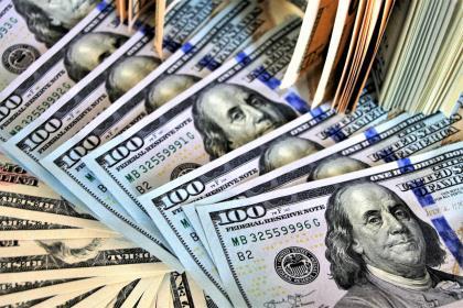 """Уоррен Баффет """"уходит в кэш"""": грядёт финансовый кризис?"""