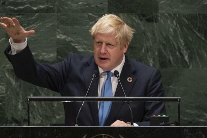Британский премьер предупредил об угрозе цифровых технологий