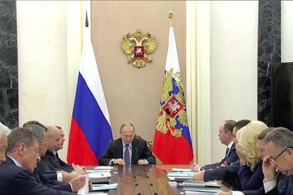 Путин одобрил введение налога на самозанятых по всей России