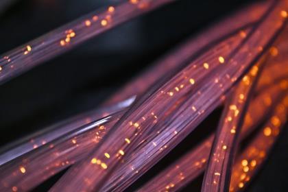 Оптоволоконные кабели образуют новейшую сеть сейсмических датчиков
