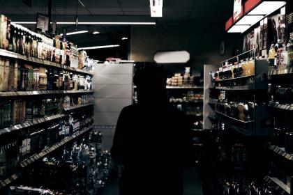 Мурашко предложил не продавать алкоголь лицам моложе 21 года
